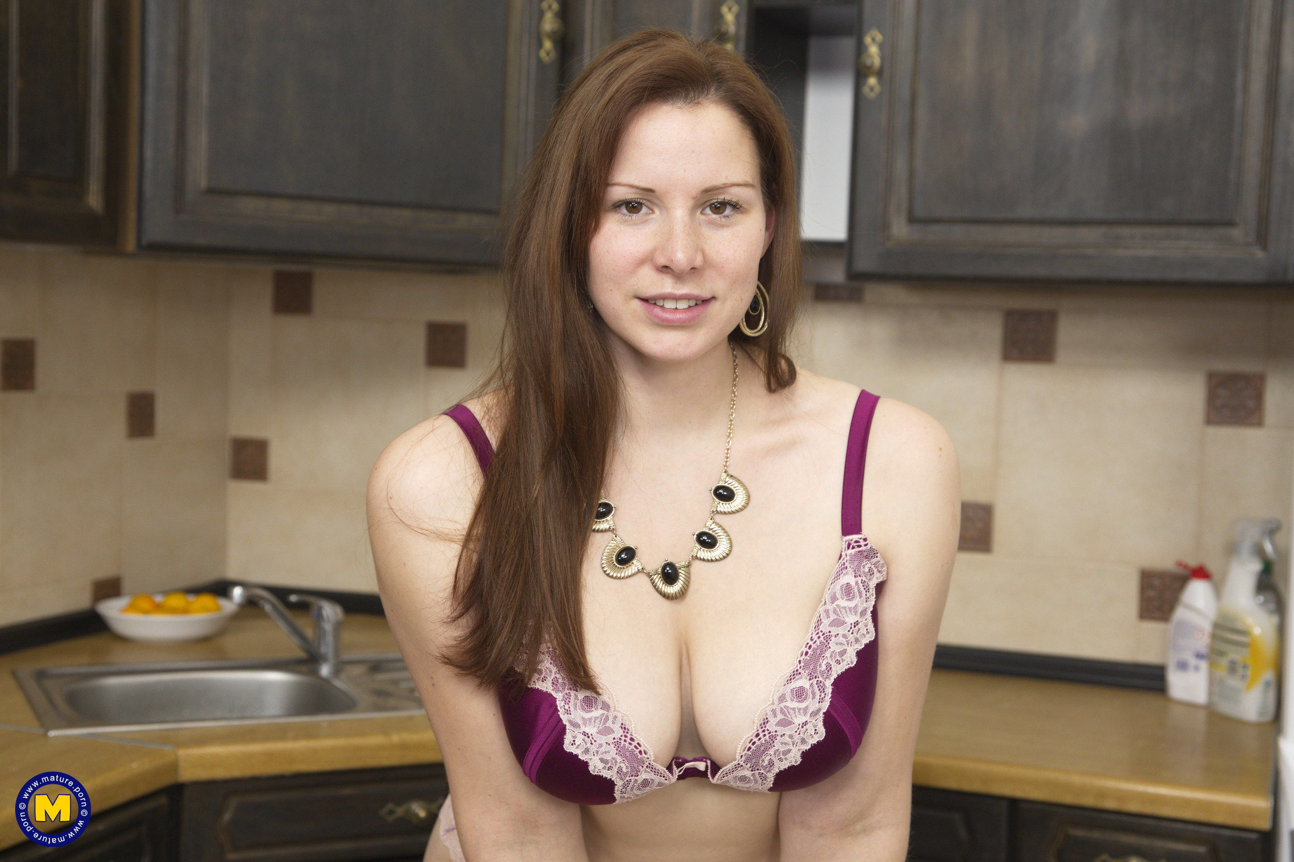 Hot curvy mom Carol Wings playing in the kitchen - 16 pics
